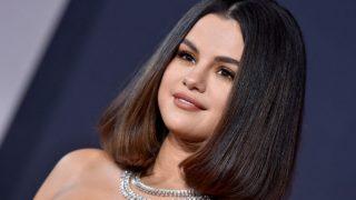 Селена Гомес анонсировала запуск бренда декоративной косметики-320x180