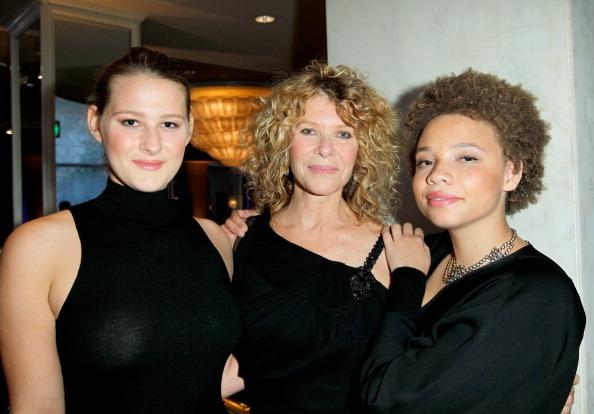 Дочь Стивена Спилберга рассказала о желании стать актрисой в фильмах для взрослых-Фото 1