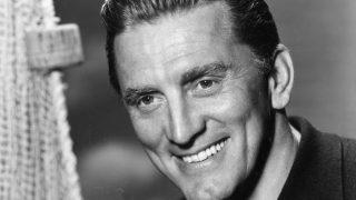 На 104-м году жизни умер легендарный голливудский актер Кирк Дуглас-320x180