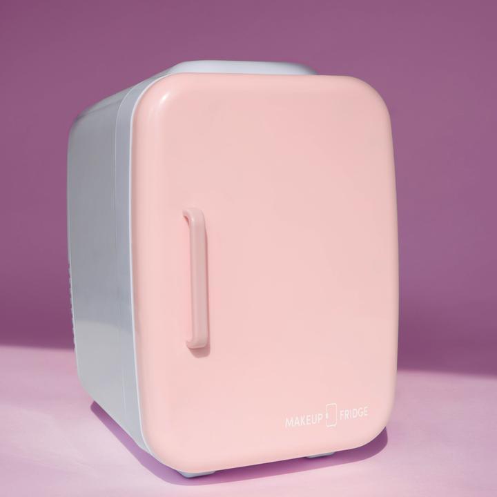 Холодильник для косметики: маркетинговый ход или незаменимый гаджет?-Фото 2