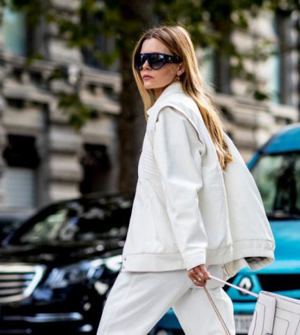 Тренд весны: белый костюм-430x480