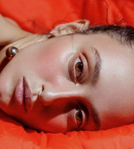 Alina Pash записала новий сингл Vysokomirni-430x480