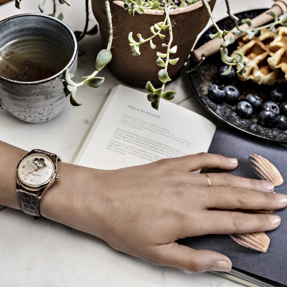 Время помогать: часы Frederique Constant, которые спасают жизни-Фото 1