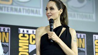 Анджелина Джоли рассказала об операциях дочерей-320x180