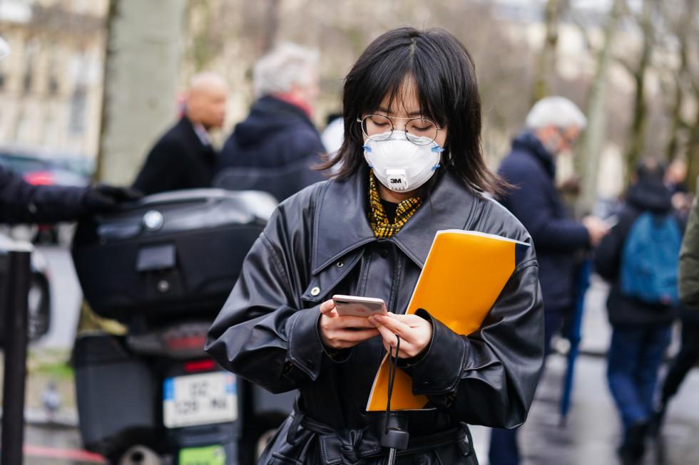 Маска для лица: эволюция от средства защиты до модного аксессуара-Фото 4