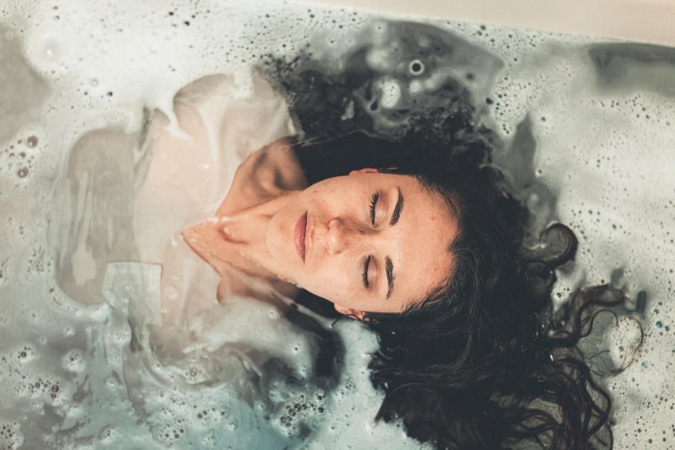 Только спокойствие: какие ароматы положительно влияют на нервную систему-Фото 1