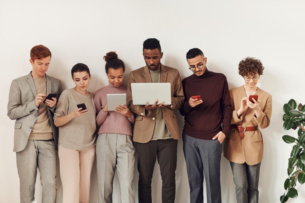 Приложения для онлайн-встреч с друзьями и коллегами-Фото 1