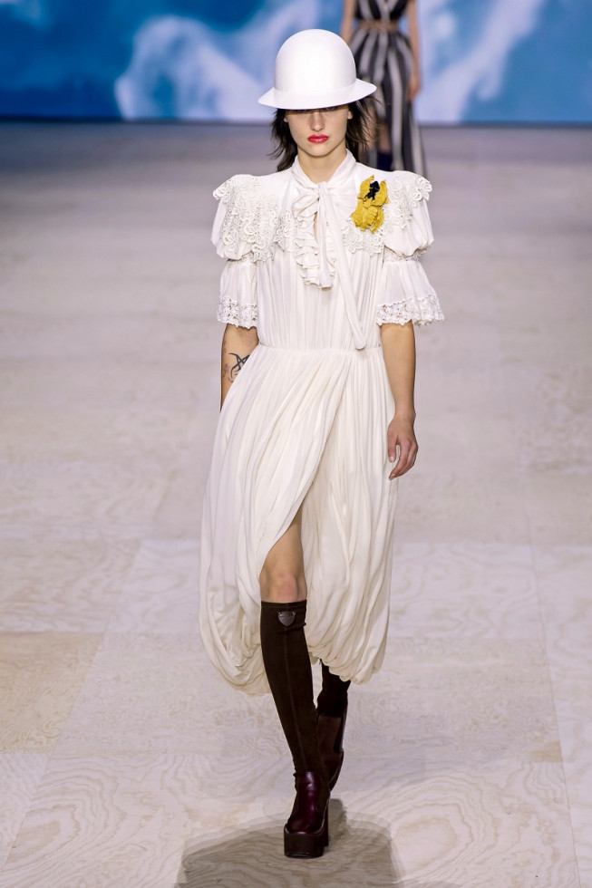 романтичное платье с чем носить