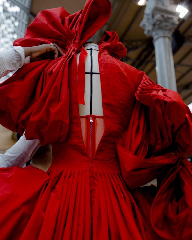 Не скучайте: как модные Дома помогают нам побороть хандру в карантине-Фото 5