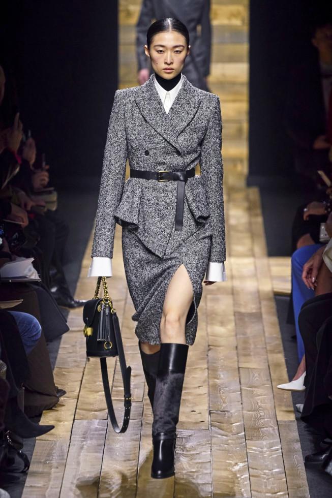 деловой костюм женский с юбкой