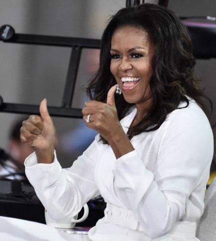 На помощь родителям: Мишель Обама будет читать сказки онлайн-430x480