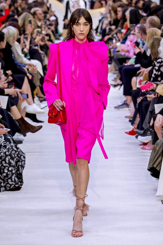 фуксия цвет платья
