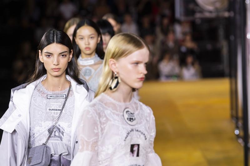 Дорога перемен: Лондонская Неделя моды уходит в онлайн и станет гендерно-нейтральной-Фото 2
