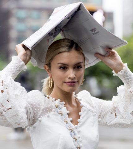Не только на свадьбу: как носить трендовое белое платье-430x480