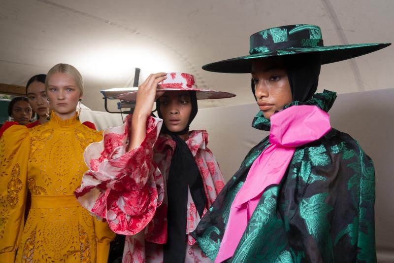 Дорога перемен: Лондонская Неделя моды уходит в онлайн и станет гендерно-нейтральной-Фото 1