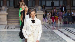 Дорога перемен: Лондонская Неделя моды уходит в онлайн и станет гендерно-нейтральной-320x180