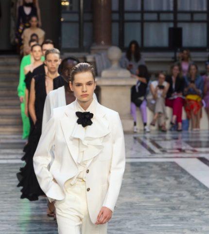 Дорога перемен: Лондонская Неделя моды уходит в онлайн и станет гендерно-нейтральной-430x480