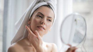 Требует перемен: как ухаживать за кожей лица на карантине-320x180