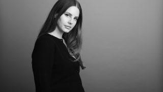 Лана Дель Рей анонсировала выход нового альбома и раскритиковала современных певиц-320x180