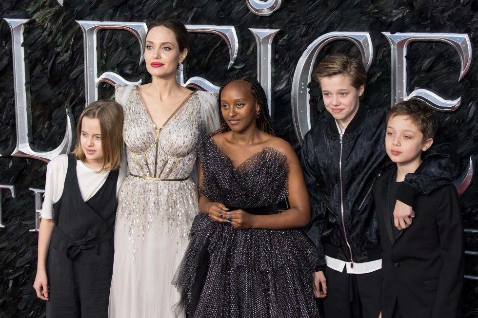 Брэд Питт и Анджелина Джоли вместе отпраздновали день рождения дочери Шайло-Фото 1
