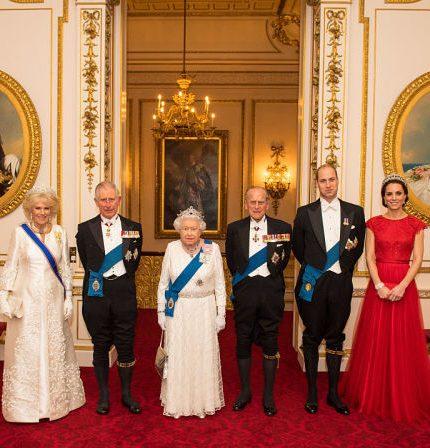 Кейт Миддлтон, принц Уильям и другие члены королевской семьи поблагодарили медсестер-430x480