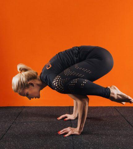 Тренировки дома: 5 лайфхаков от фитнес-тренера для результативных занятий-430x480