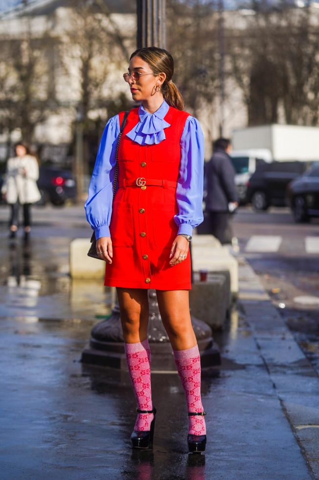 Модный аксессуар: как стильно носить носки и сочетать с другими вещами-Фото 3