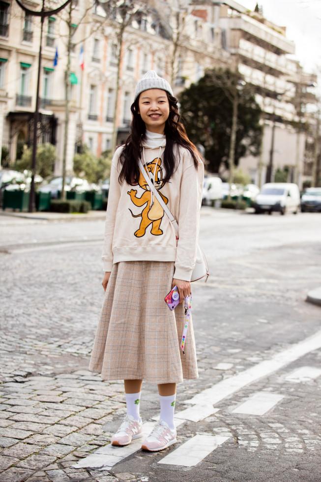 Модный аксессуар: как стильно носить носки и сочетать с другими вещами-Фото 9