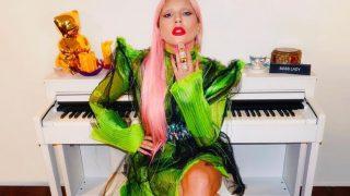 Леди Гага выпустила линию мерча, посвященного альбому Chromatica-320x180