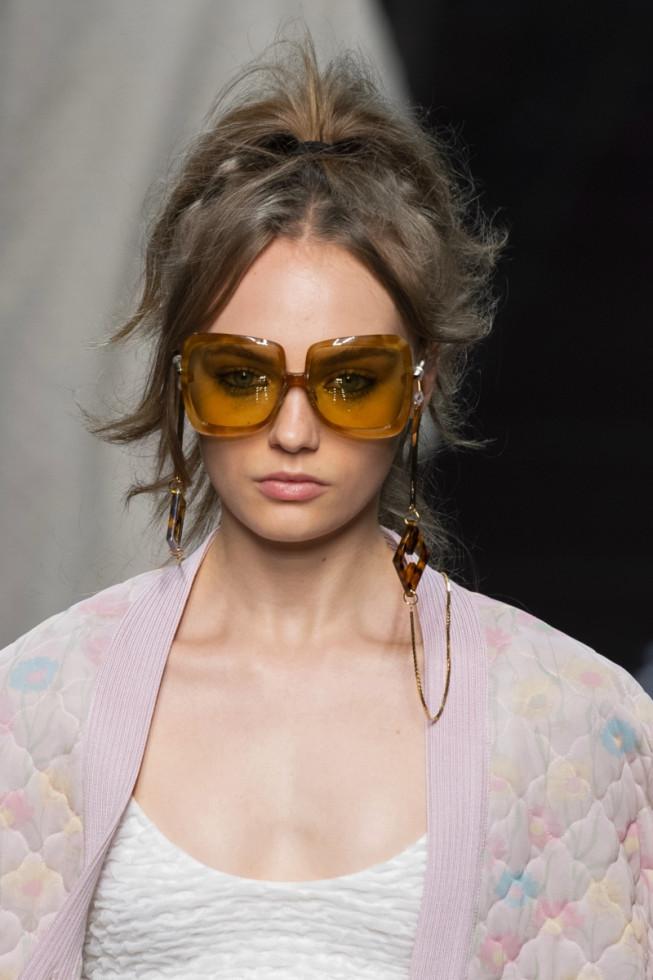 Чтоб не потерять: очки с цепочкой – один из главных трендов этого сезона-Фото 4