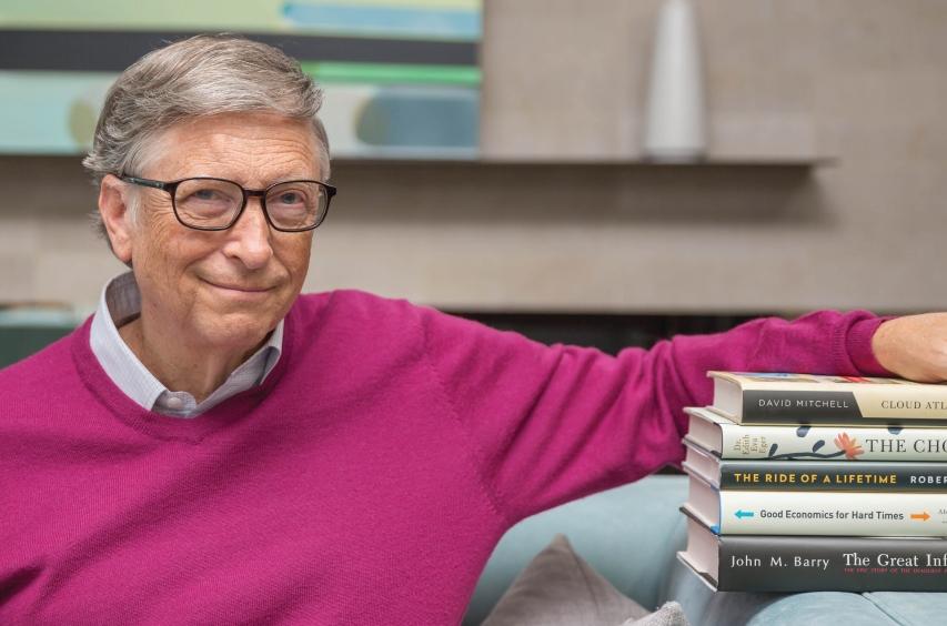 Билл Гейтс порекомендовал список книг, сериалов и фильмов на лето-Фото 1