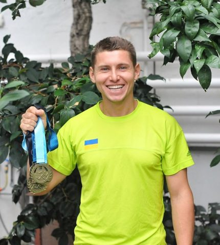 Бігун Микола Таран про те, як бути першим українцем, який взяв участь у Лос-анджелеському марафоні-430x480