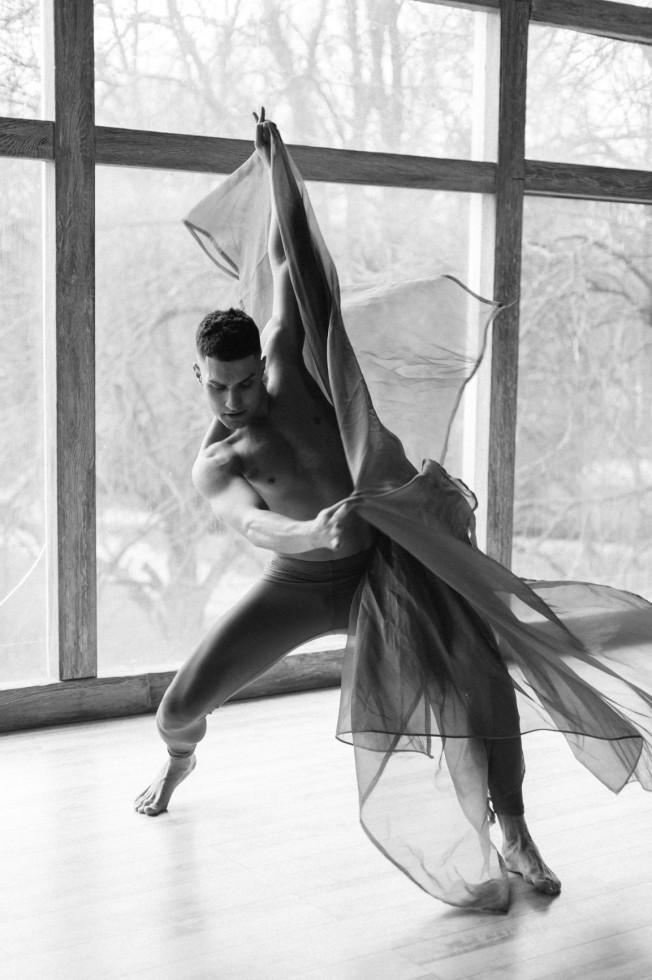 Мужчина говорит: танцор Игорь Гелуненко-Фото 3