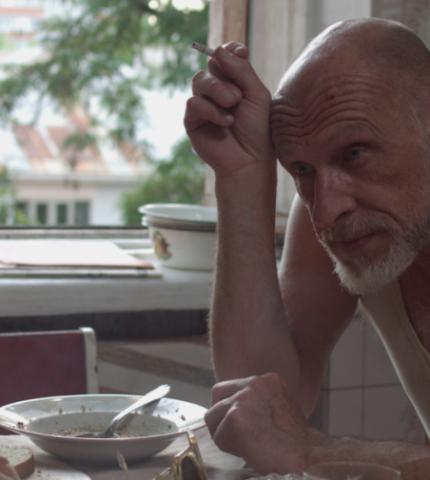 Юрій Іздрик у тизері нового фільму Ірини Цілик «Я і Фелікс»-430x480
