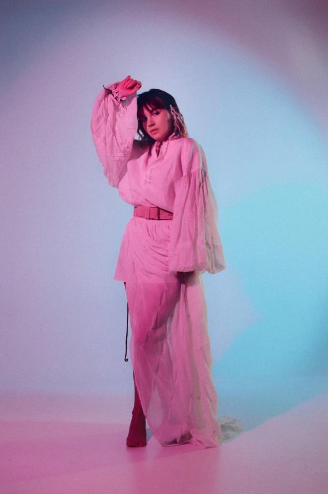 N̶oNewName: певица Riya о пути от журналистики до музыки-Фото 3