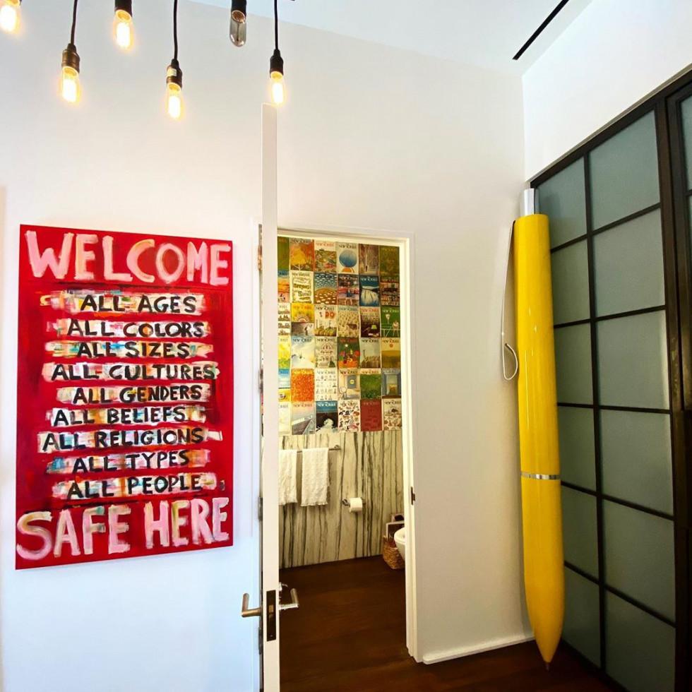 Джиджи Хадид показала интерьер квартиры, который сделала сама. Это стало поводом для шуток в Твиттере-Фото 6