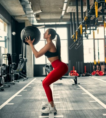 Говорит фитнес-тренер: 5 неочевидных фактов о мышцах ягодиц-430x480