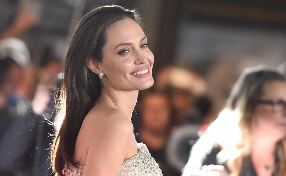 Анджелина Джоли высказалась о расширении прав и возможностей женщин-Фото 1