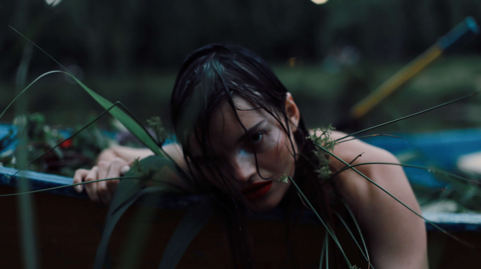 Where the wild roses grow. Эксклюзивная съемка Marie Claire X Le narcotique-Фото 8