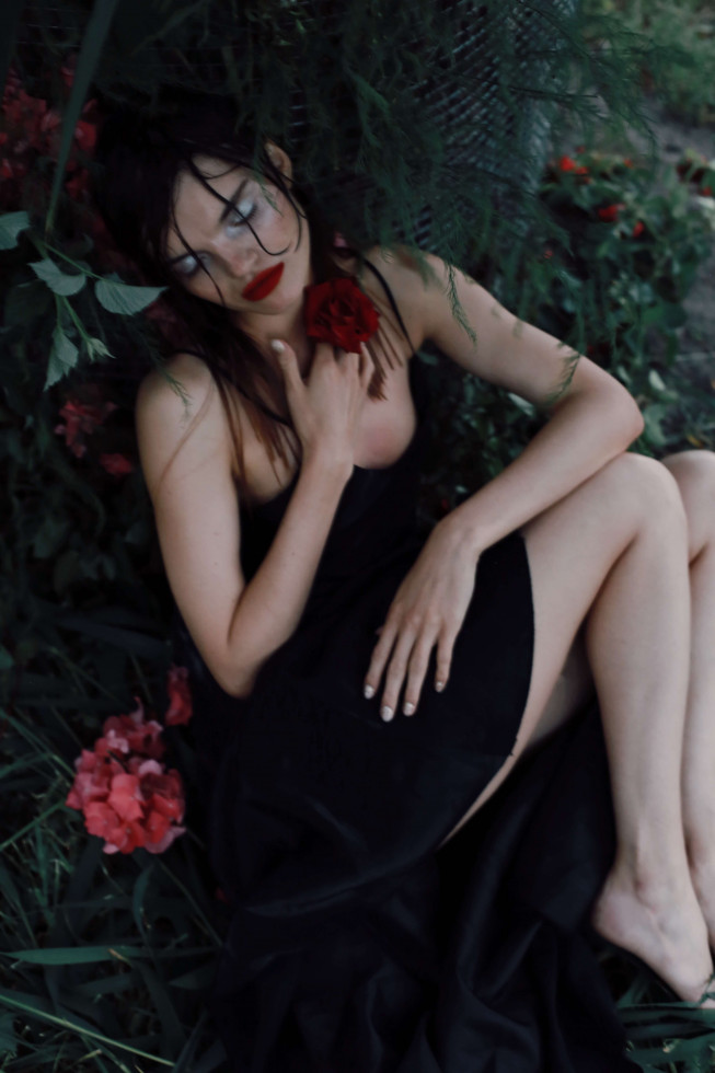 Where the wild roses grow. Эксклюзивная съемка Marie Claire X Le narcotique-Фото 11