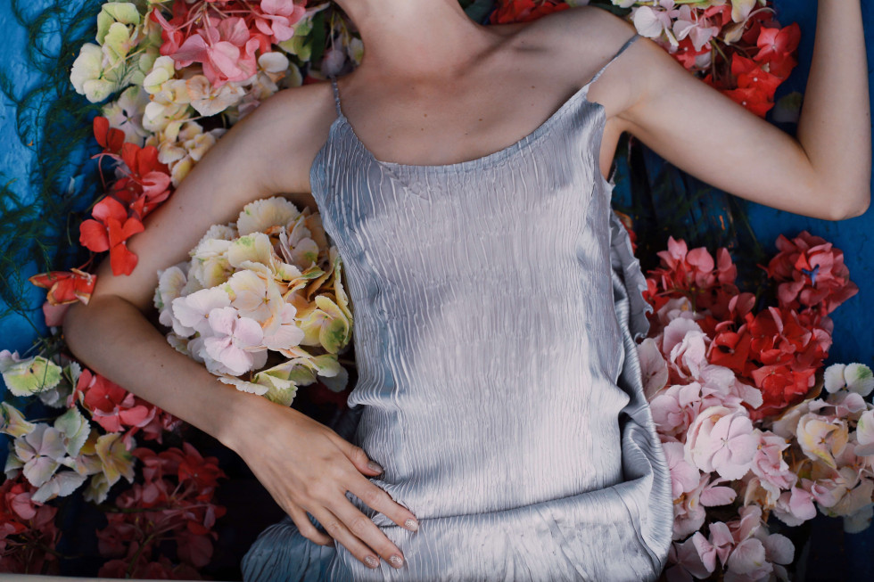 Where the wild roses grow. Эксклюзивная съемка Marie Claire X Le narcotique-Фото 4