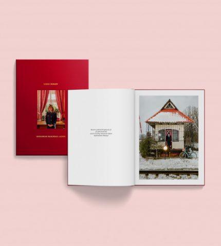 У видавництві «Основи» вийшла книга про жінок, які працюють на залізниці-430x480