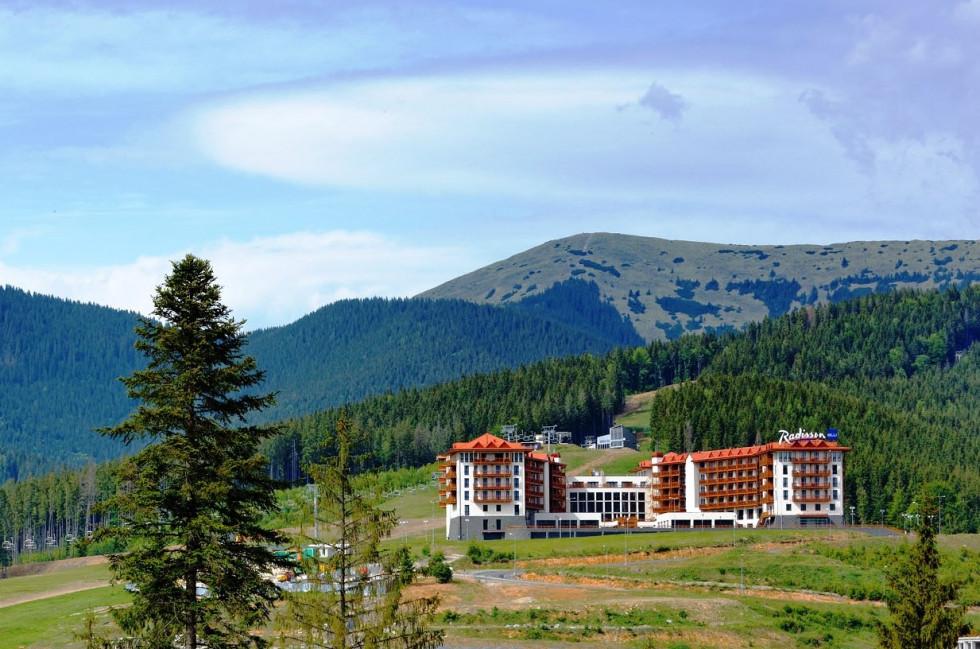 Идеальное место для летнего отдыха: отель Radisson Blu Resort, Буковель