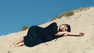 Riya презентує ліричну пісню про любовні «Листи»-320x180