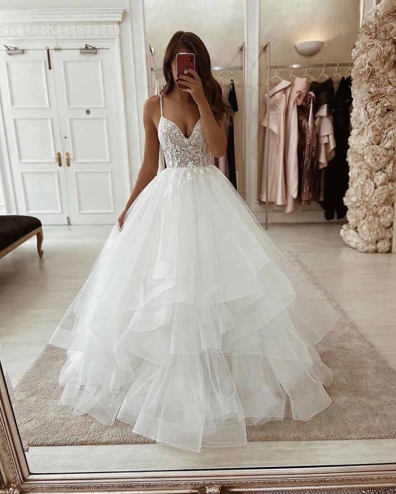 10 самых красивых свадебных платьев 2020 года-Фото 2