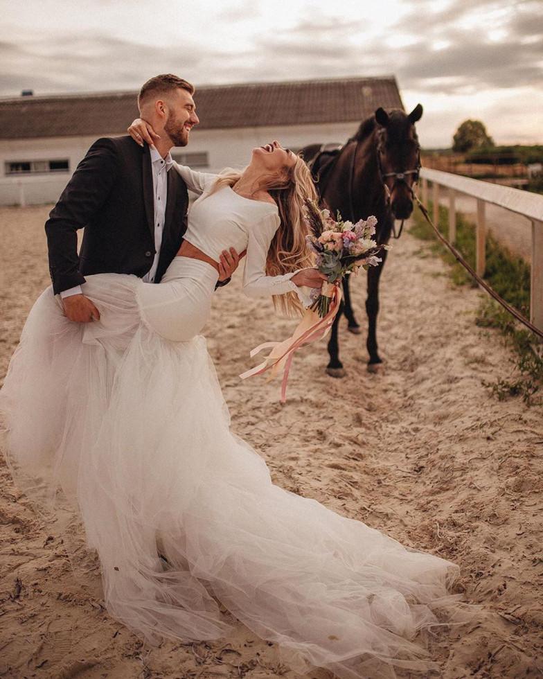 10 самых красивых свадебных платьев 2020 года-Фото 5