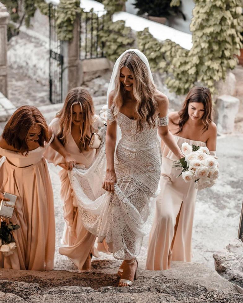 10 самых красивых свадебных платьев 2020 года-Фото 9