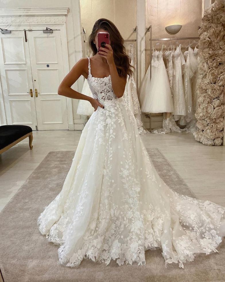 10 самых красивых свадебных платьев 2020 года-Фото 11