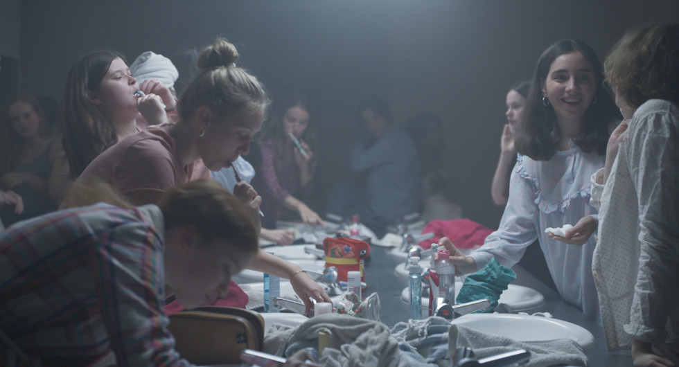 5 причин посмотреть фильм Бертрана Бонелло «Малышка зомби»-Фото 3