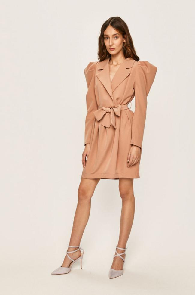 К холодам готовы: 7 стильных платьев, в которых не замерзнешь-Фото 4